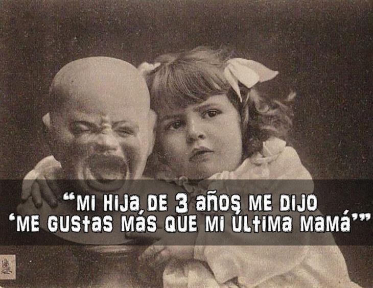 foto antigua d eniña abrazando a un muñeco llorando
