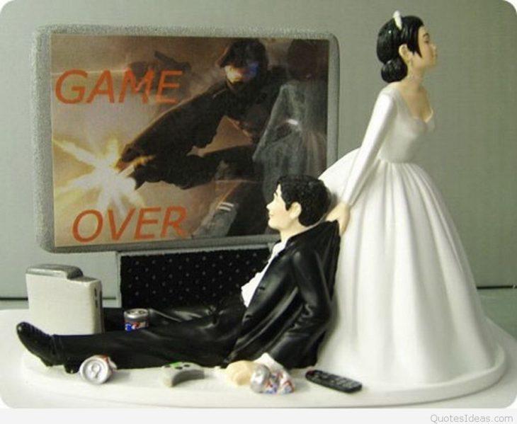 muñecos de pastel de boda de el juego terminó