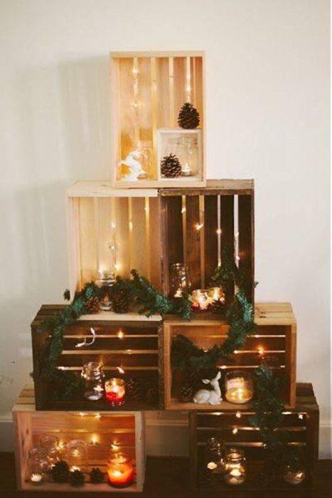 árbol navideño de cajas de madera