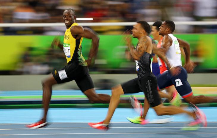 Usan Bolt en la semifinal de 100 metros