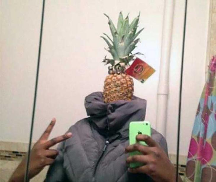 foto de hombre con cabeza de piña
