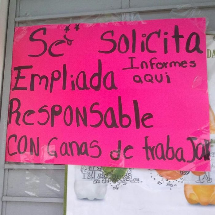 cartel con faltas ortográficas dice empliada