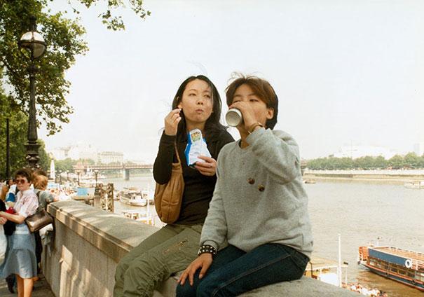 fotógrafa japonesa se edita en sus fotos de la infancia: Reino Unido 1985 a 2006
