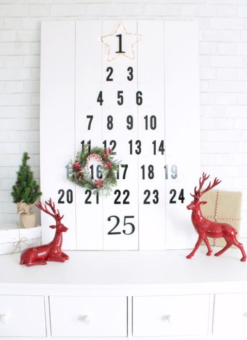 calendario en forma de árbol de navidad