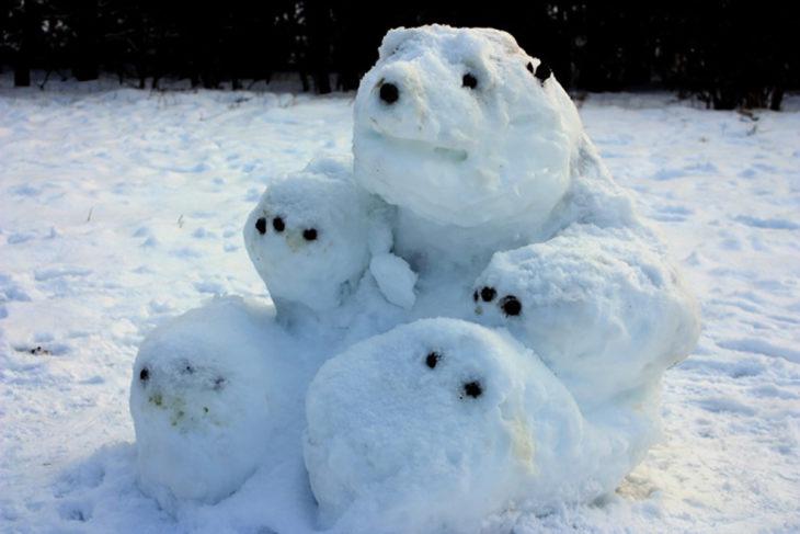 oso polar hecho de nieve