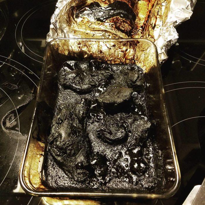 recipiente de cocina quemado