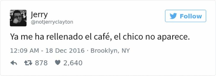 tuit de chico cafetería: le rellena el café