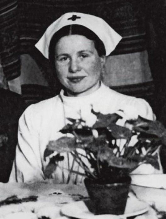 enfermera antigua