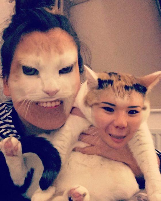 faceswap de mujer con gato