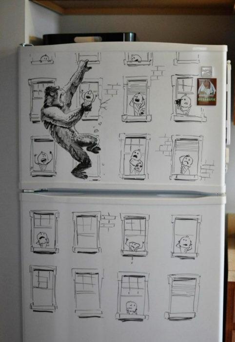 dibujo de king kong en la nevera