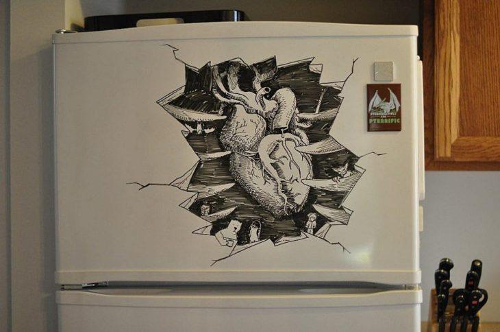 dibujo de un corazón hecho en el refrigerador