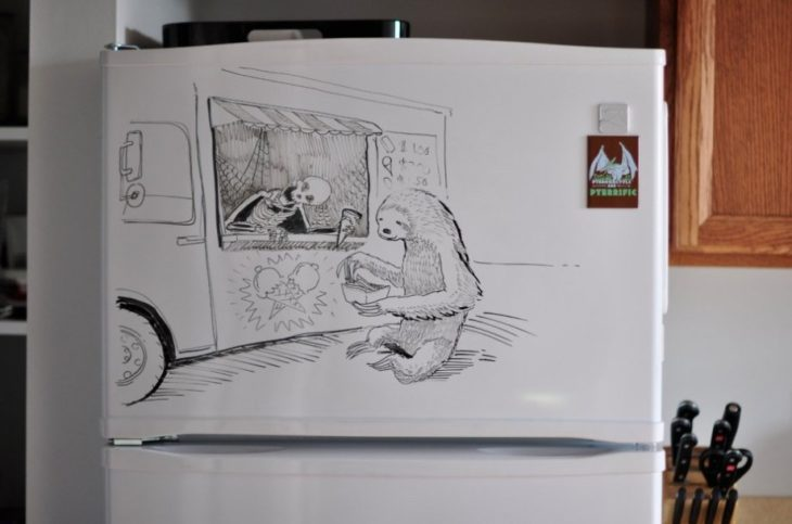dibujo de una calaca vendiendo nieve en el refrigerador