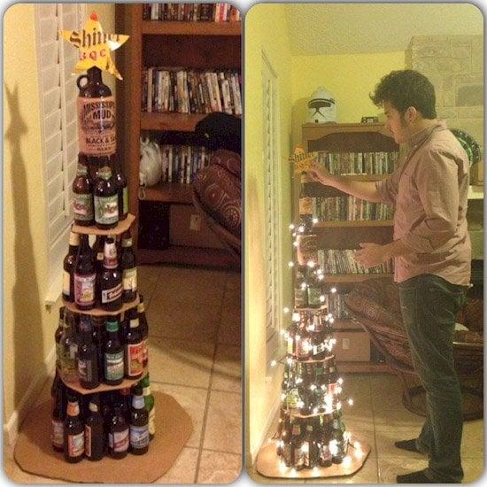 Arbol navideño con botellas de cerveza
