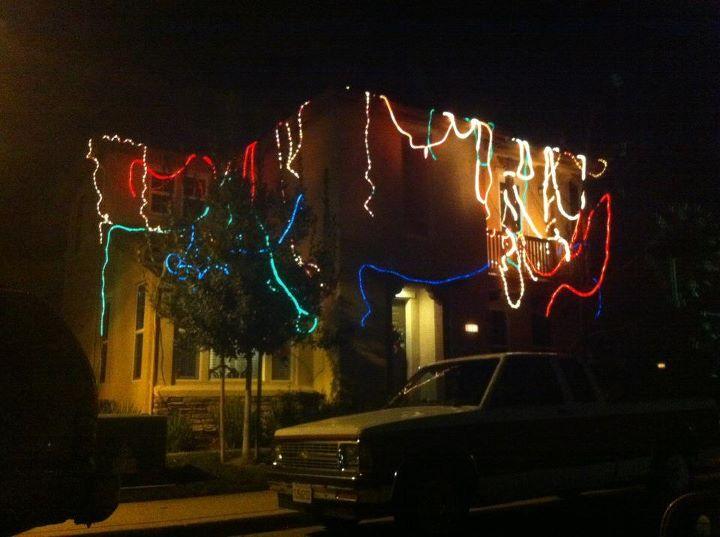 Luces navideñas desordenadas