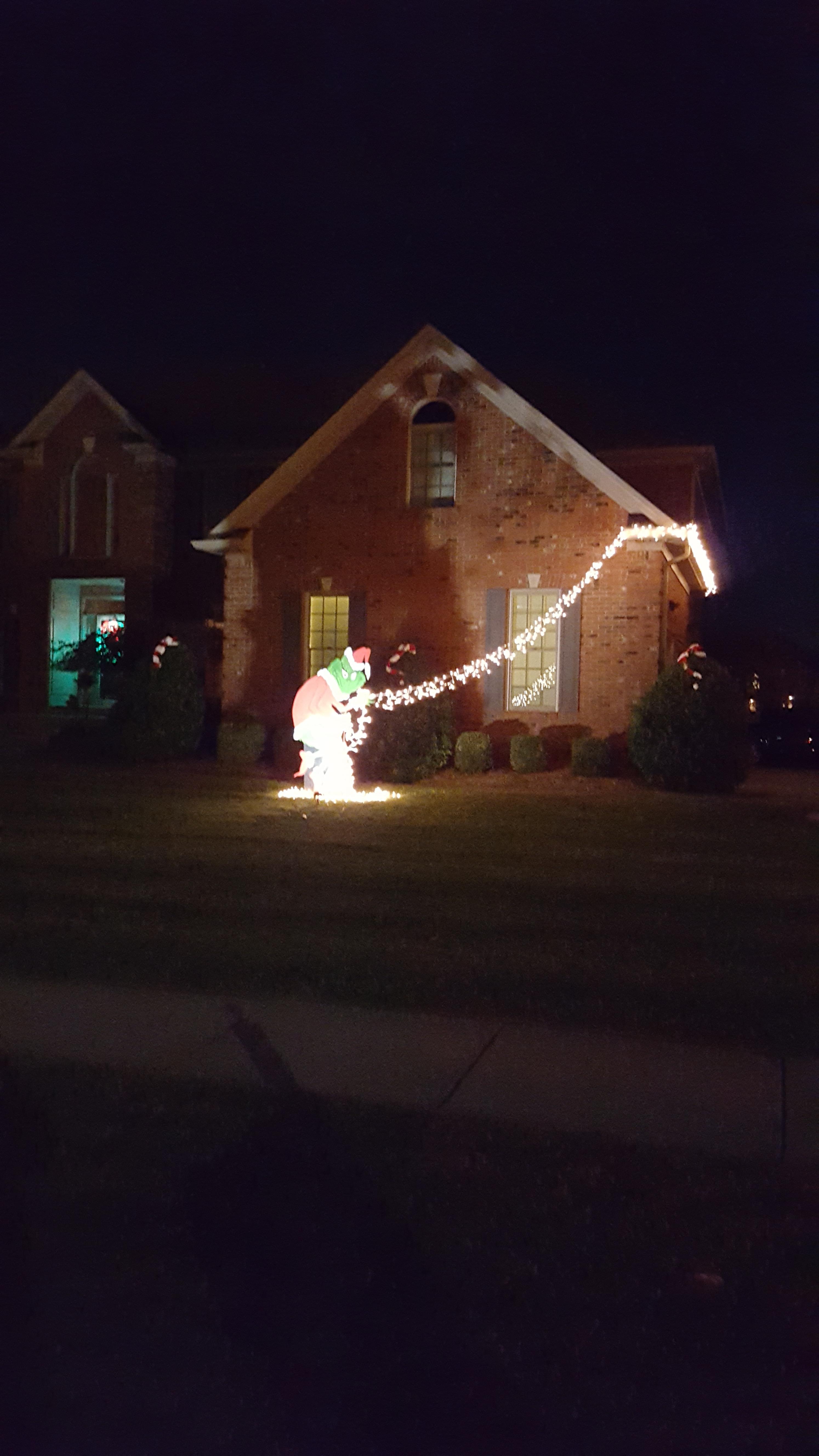 21 decoraciones navideñas ideales para todos los Grinch