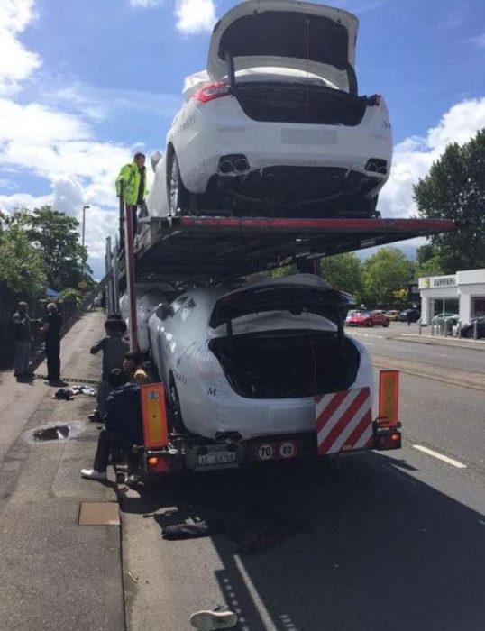 escondidos en autos para cruzar la frontera