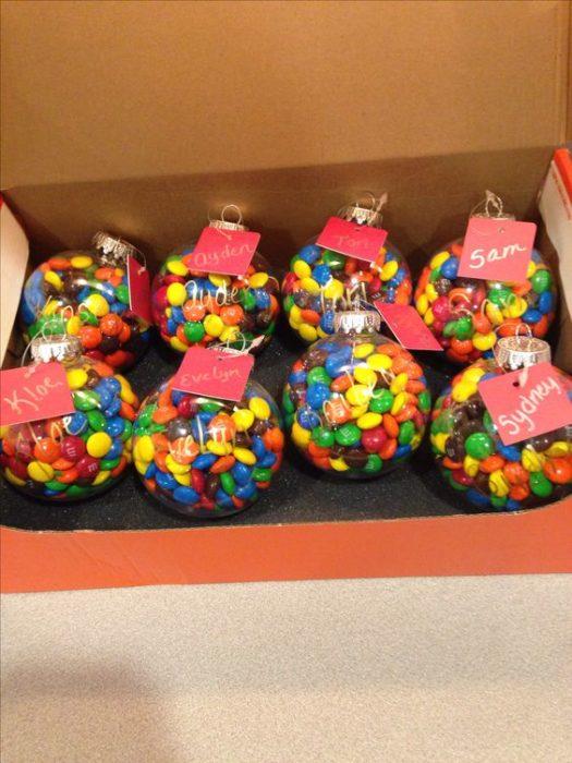Esferas con dulces