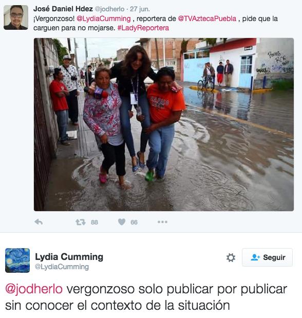 reportera de tv azteca cargada para no mojarse