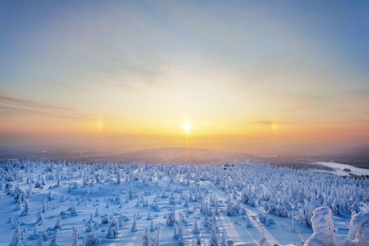 Amanecer paisaje nevado