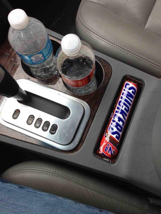 chocolate acomodado perfectamente en la bandeja del carro