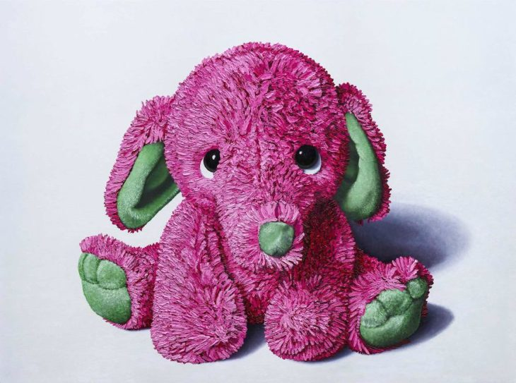 Elefante de peluche pintado al óleo
