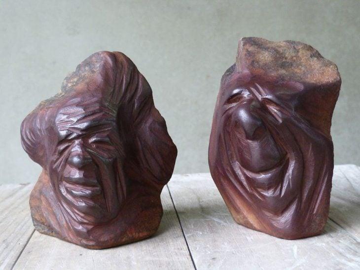 Piedra con rostros de personas