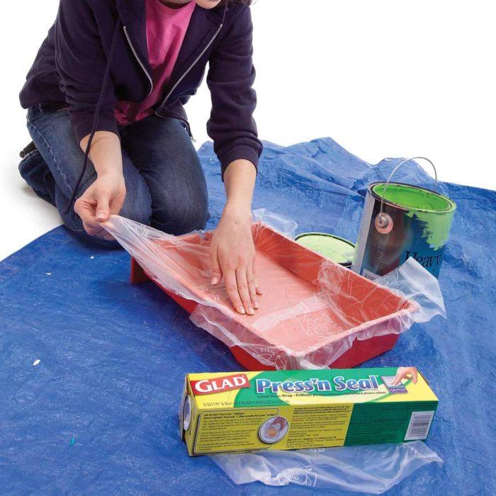 Charola de pintura con plástico transparente
