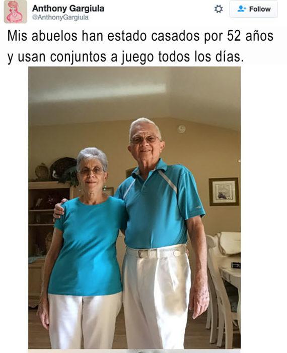 abuelos con conjunto de ropa combinado