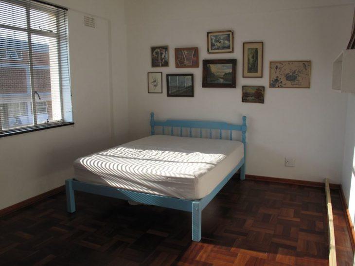 dormitorio pequeño, sin espacio