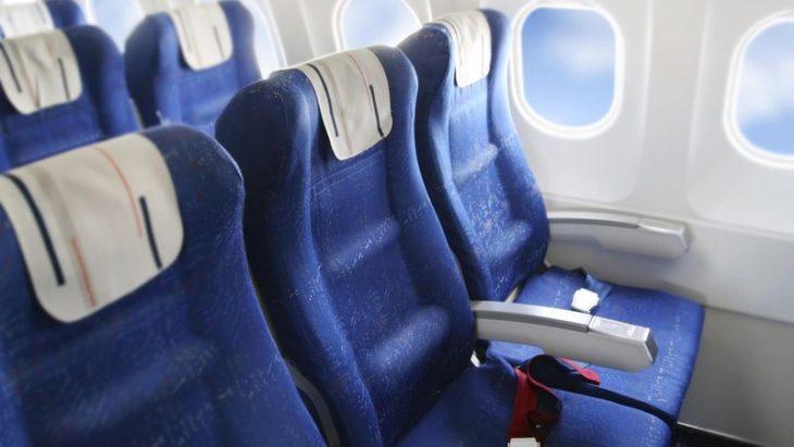 aviones con filas de tres asientos