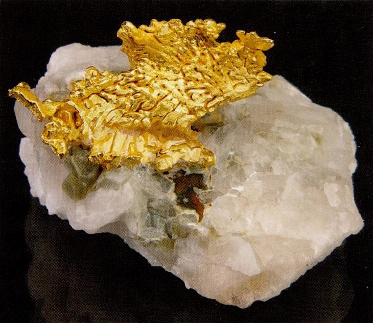 oro sobre cuarzo