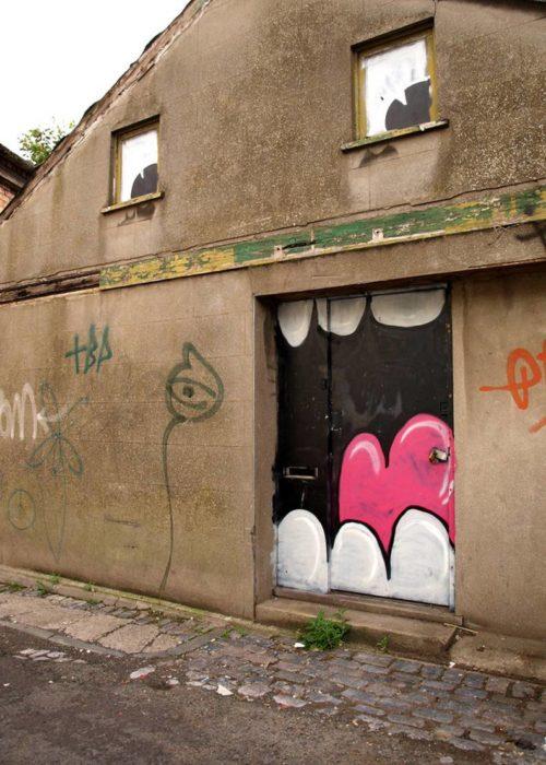 graffiti casa miedosa