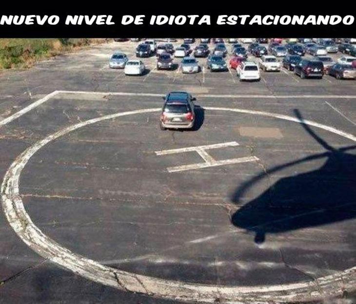 nuevo nivel de idiota estacionando