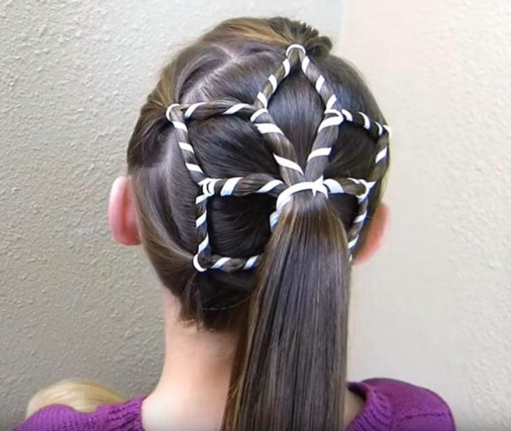 peinado navideño en forma de estrella