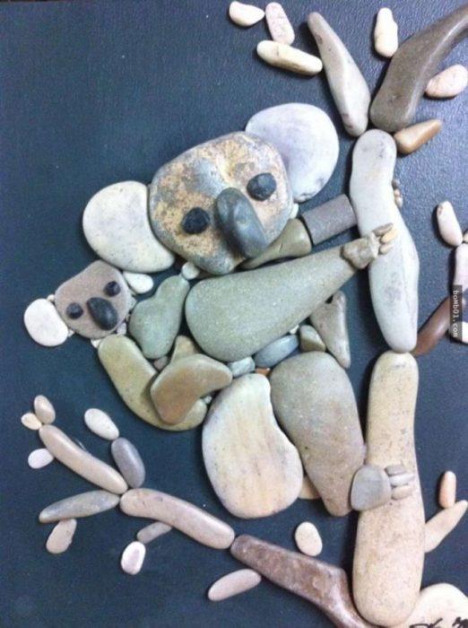 arte hecho con piedras de playa