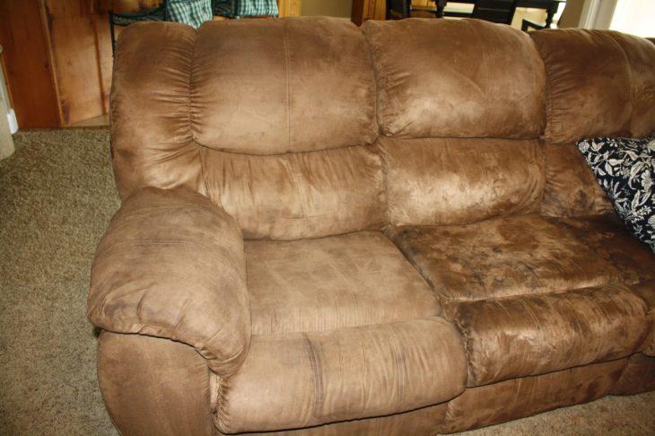 sofa limpio y sucio