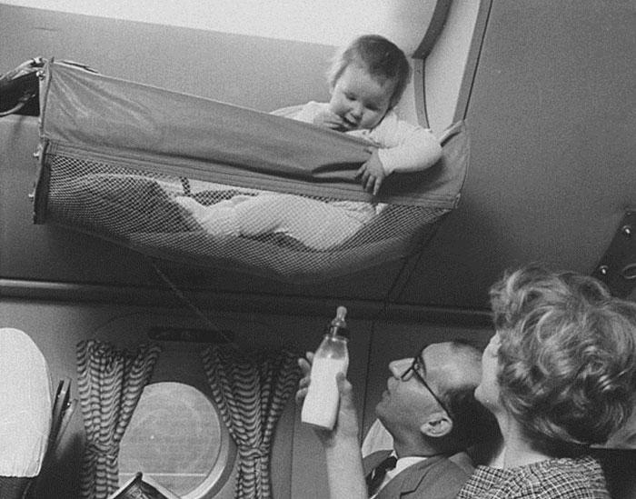 Como viajaban los bebes en los 50 2
