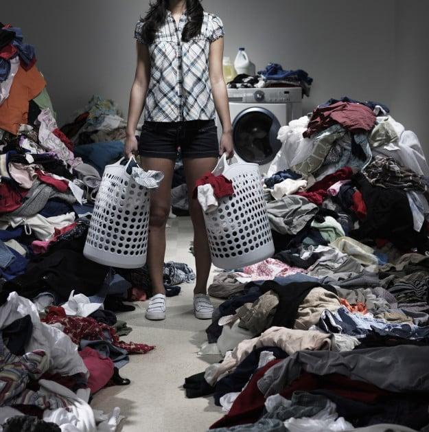 desastre de ropa tirada