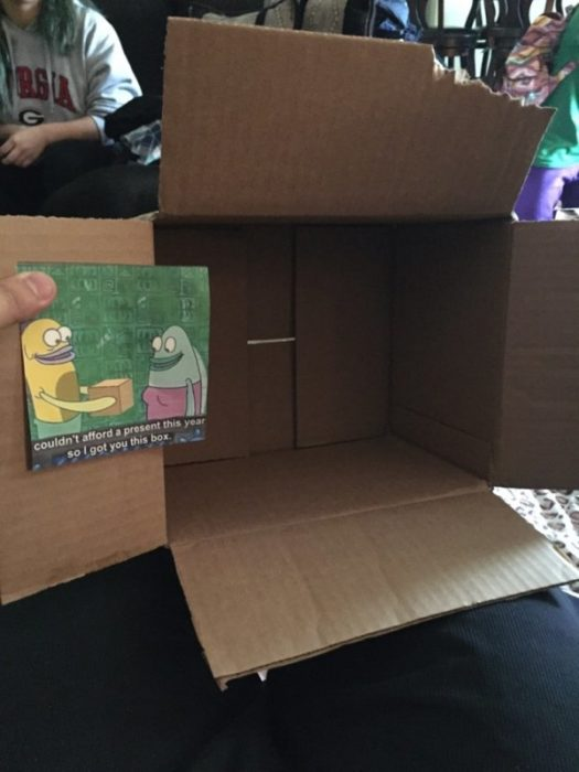 caja vacía de regalo
