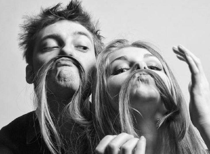 bigotes de cabello