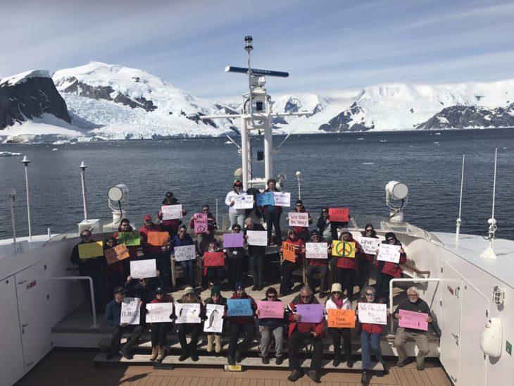 marcha de las mujeres en antártica