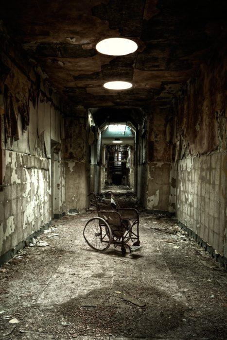 foto de un asilo abandonado