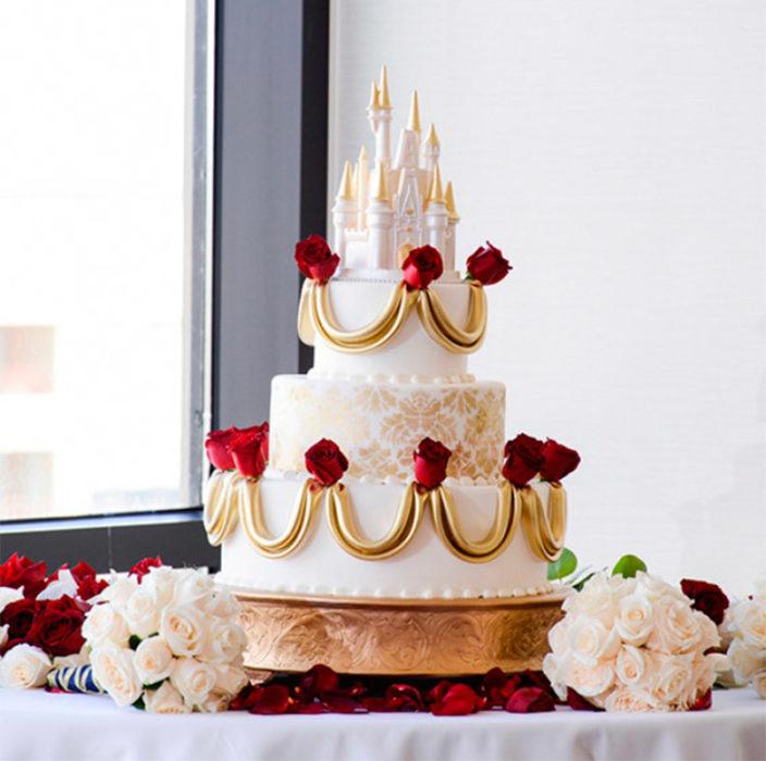 pastel con forma de castillo