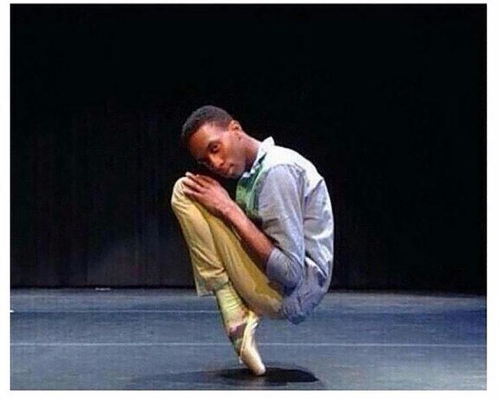 hombre en zapatillas de ballet