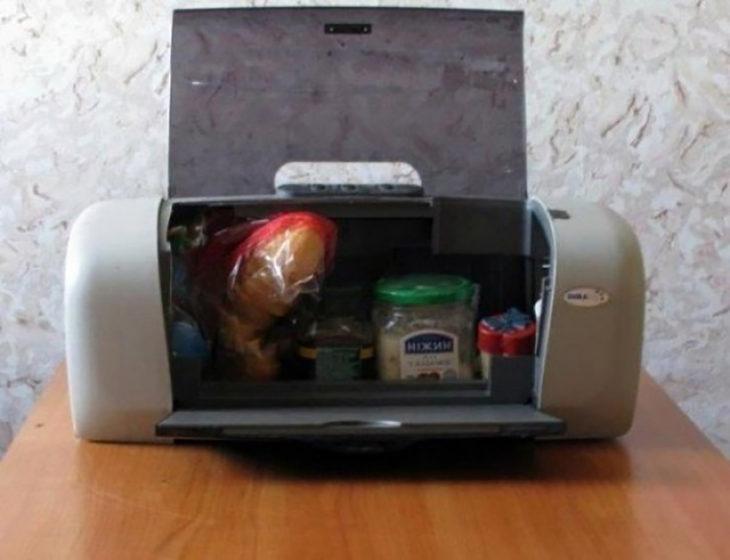 comida dentro de impresora