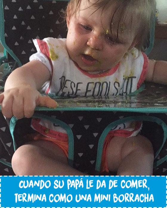bebé sucio por comer