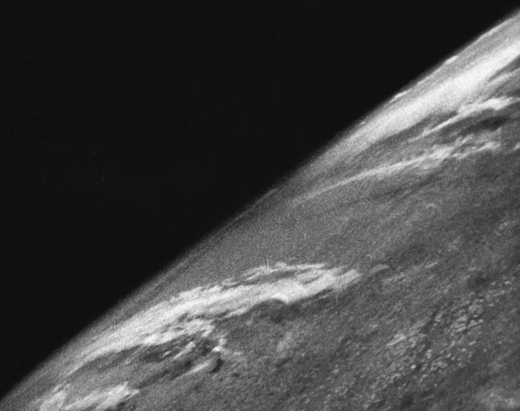 Primera foto de la Tierra vista desde el espacio