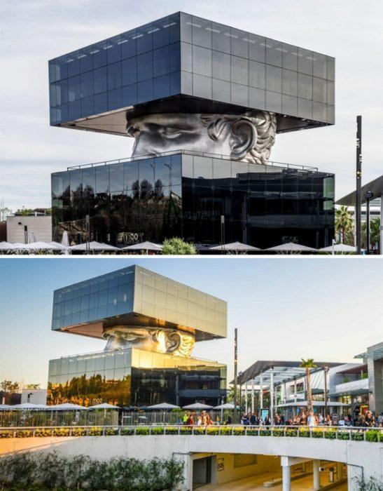 edificio con aspecto de villano en Francia