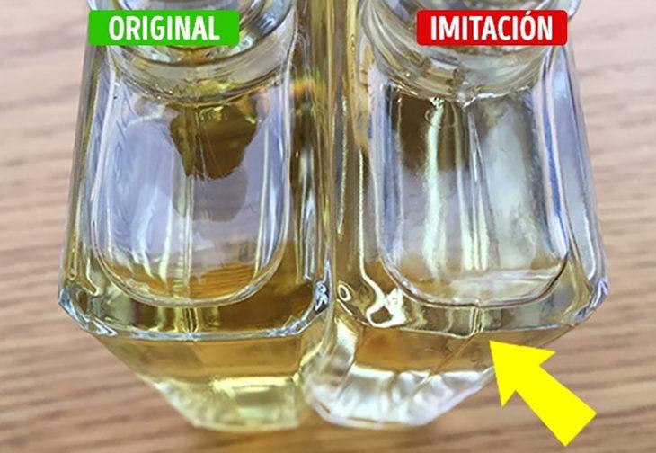 envase original y de imitación de un perfume