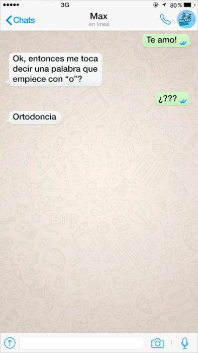 mensaje de texto entre dos personas